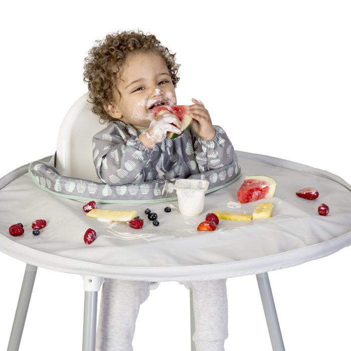 Tidy-Tot-Apple-and-Pear-bib-with-grey-tray-boy-fruit-700x700